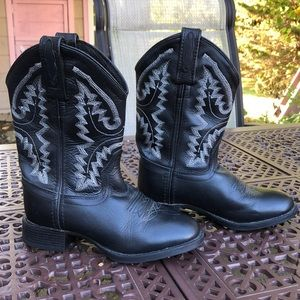 Black and white leather cowboy boots